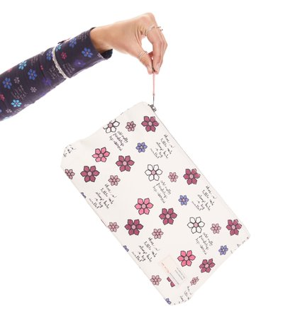 daisy manifest beauty bag