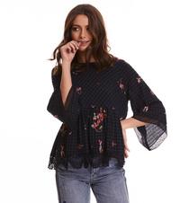 emb sapceroses blouse roundnec
