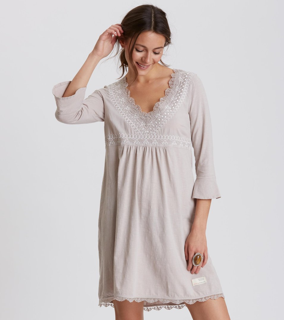 5837c2b98330 lace vibration dress ...