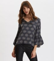 Odd Molly - My Medallion Blouse - DARK SHADOW