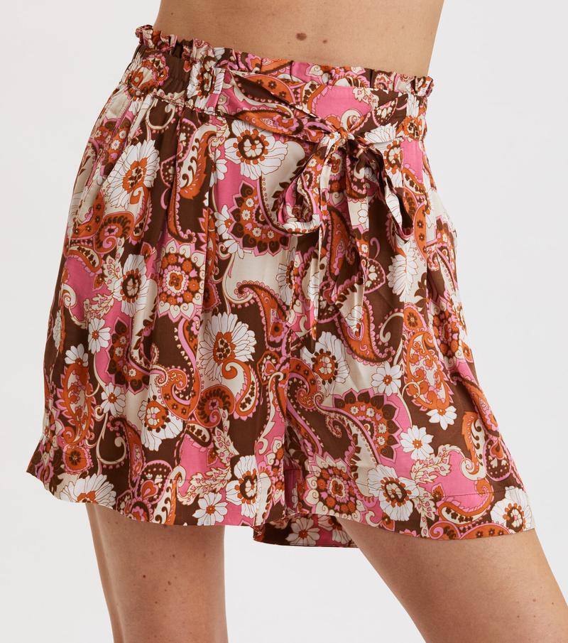 Mesmerizing Shorts